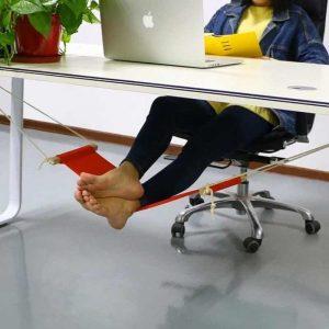 biurkowy hamak na nogi
